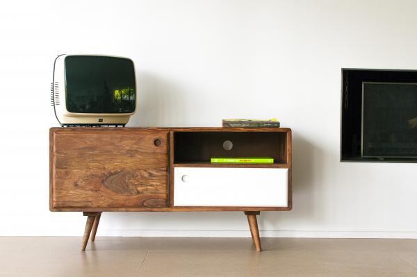 TV-Möbel mit skandinavischer Ästhetik