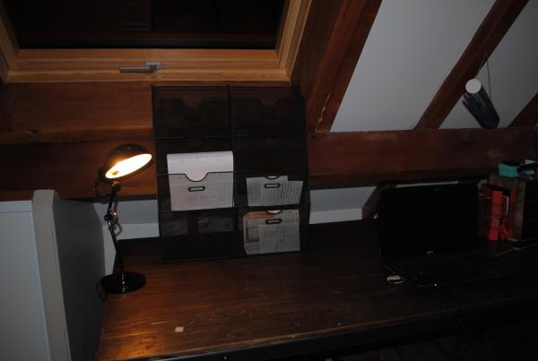 Wandordner im Industriestil, der gut zum Vintage Schreibtisch passt!