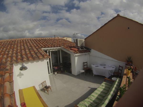 Die Wandleuchte mit Schwanenhals auf meinem kleinen brandneuen Terrasse! Sie erleuchtet unsere Aperitifs ;-)