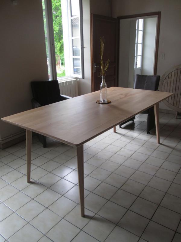 Tisch Möka