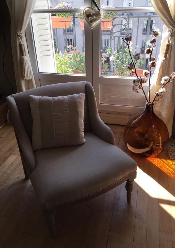 Entspannende Momente in meinem stilvollen Dumas Sessel