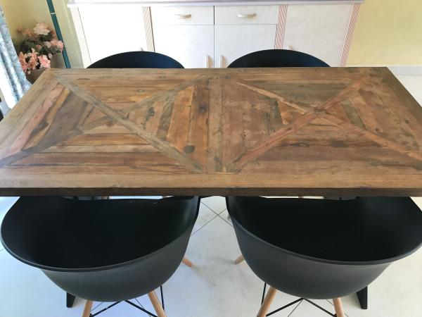 Cadé Tisch: schön in meinem Wohnzimmer, ich liebe ihn!