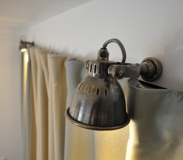 Retro-Atmosphäre für meinem Schrank mit diesen zwei schönen kleinen Beleuchtungen Bistrot.