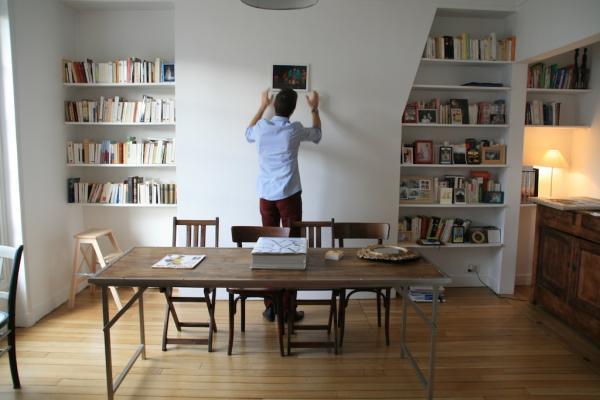 Der Holz- und Metall-Klapptisch ist perfekt in unserer Wohnung. Wir lieben die Holzqualit�t und die Robustheit des Eisens. Nun m�ssen wir nur noch die Deko an der Wand finalisieren!