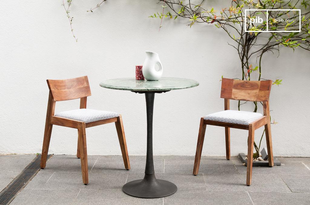 Esstisch aus marmor tisch im skandinavischen stil ideal for Tisch aus marmor