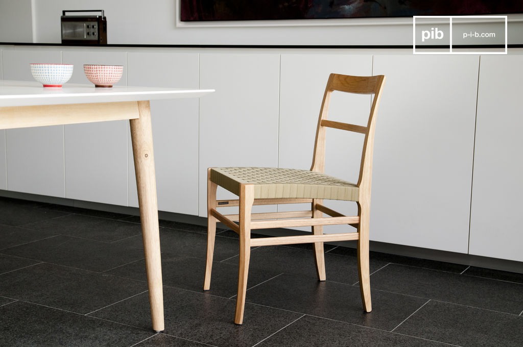 stuhl samoht helles holz und geflochtener sitz f r eine pib. Black Bedroom Furniture Sets. Home Design Ideas