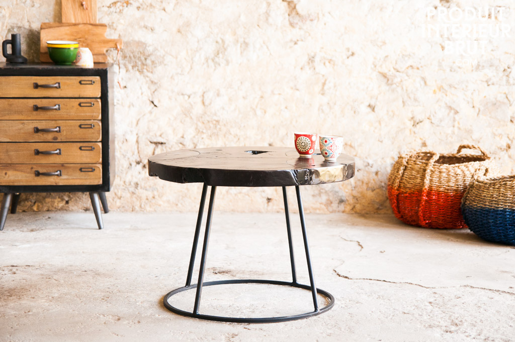 couchtisch mina ein dunkler vintage tisch f r eine gelungene deko. Black Bedroom Furniture Sets. Home Design Ideas
