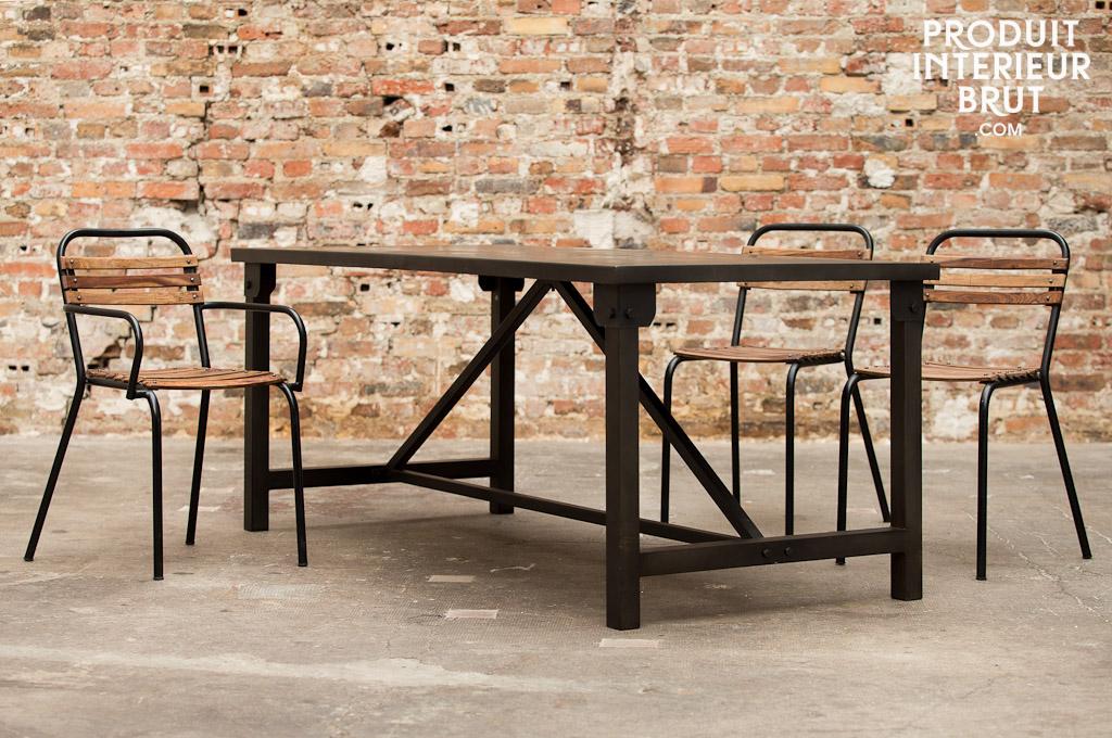 esstisch kerizel industrial design mit klaren linien. Black Bedroom Furniture Sets. Home Design Ideas