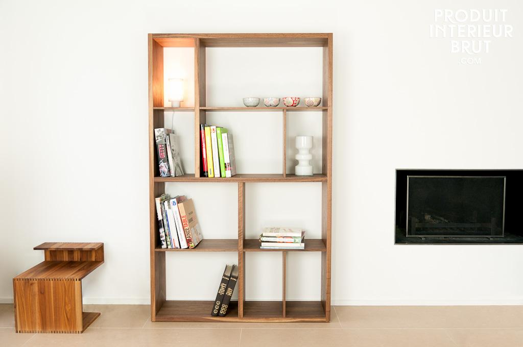 nussholz regal n ten besonders puristische eleganz und sch nheit des nussholzes. Black Bedroom Furniture Sets. Home Design Ideas