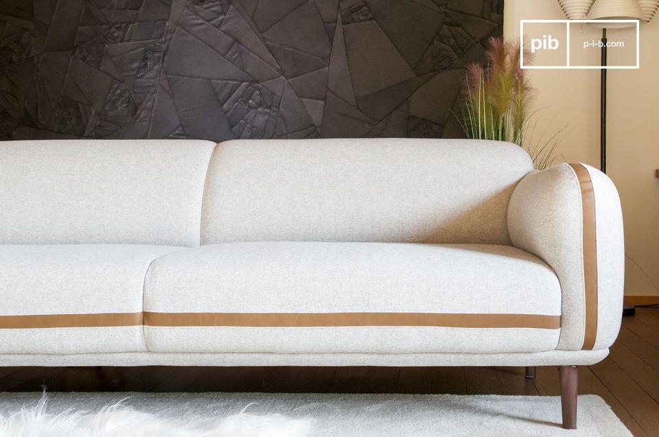 Jahrhunderts zeigt dieses Sofa eine umlaufende Ästhetik