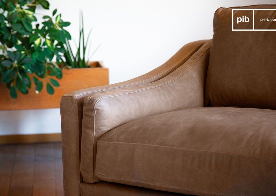 Dieses 3-Sitzer-Sofa mit seinem außergewöhnlichen Anilin-Vollnarbenleder bietet unvergleichlichen