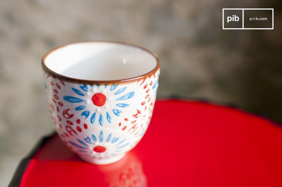 Bringen Sie romantischen und farbenfrohen Schwung an Ihren Kaffee
