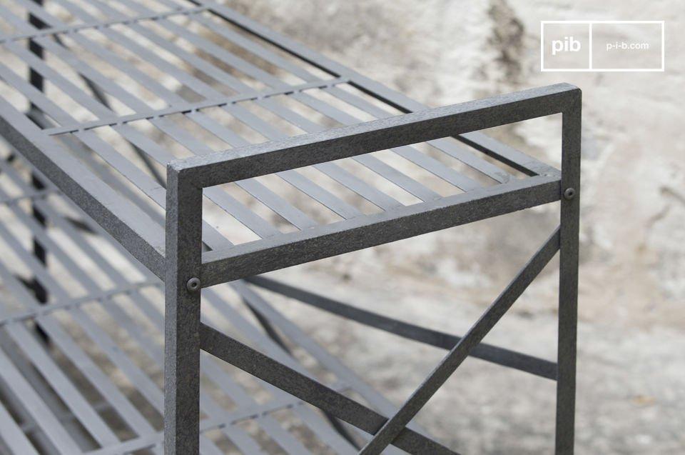 Metallkonstruktion und schöne Patina