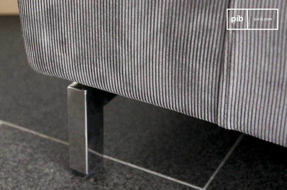 Ein Sofa aus Kord mit Stil
