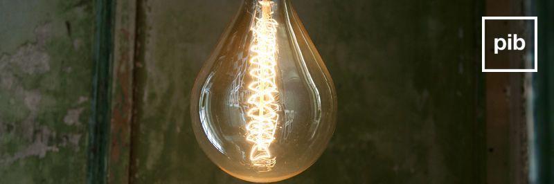 Alte Sammlung von glühbirnen