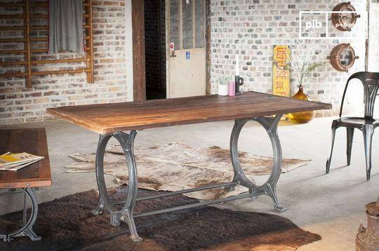 Alter Tisch aus Teakholz Tonnel