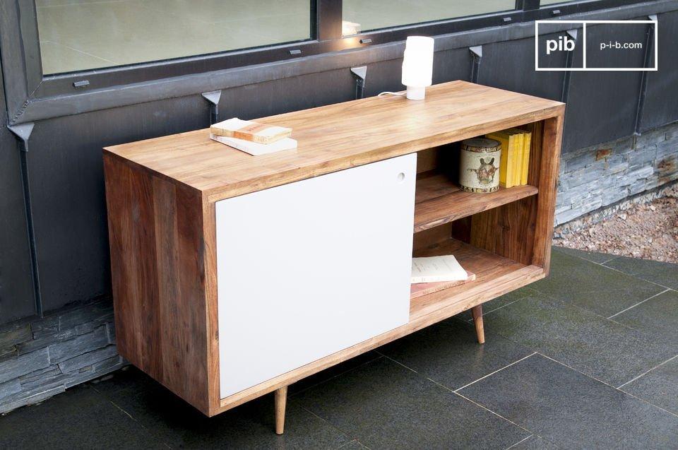 Ein Aufbewahrungsmöbel mit Schiebetür im Design der 50er Jahre