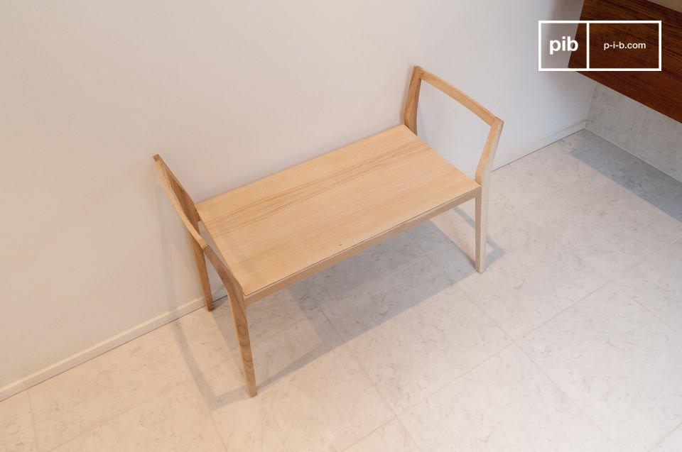 Eine praktische Sitzgelegenheit in der schlichten Eleganz skandinavischen Designs