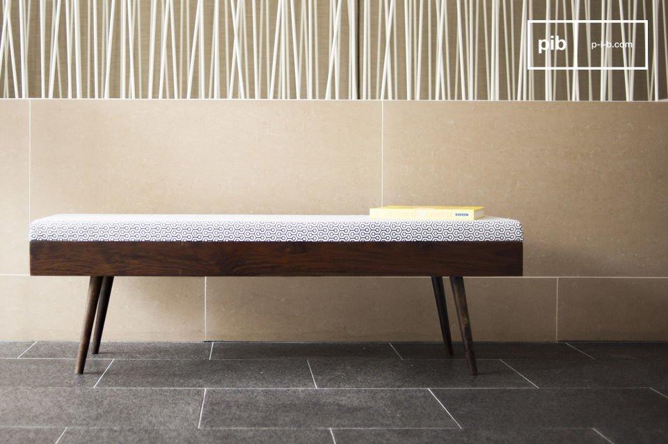 Wählen Sie eine schlichte und elegante Bank, die zum raffinierten Ambiente Ihres Eingangsbereiches oder Schlafzimmers beitragen wird