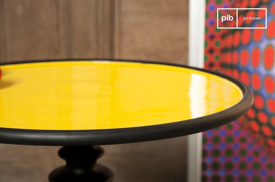 Tisch mit trendigem Deko-Touch, in mehreren Farben erhältlich