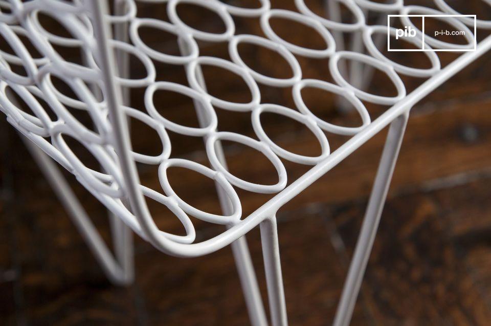 Der Beistelltisch Andover ist ein Designer Möbel