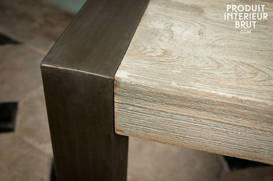 Seine langlebige Robustheit verdankt dieses Modell der starken Tischplatte und dem