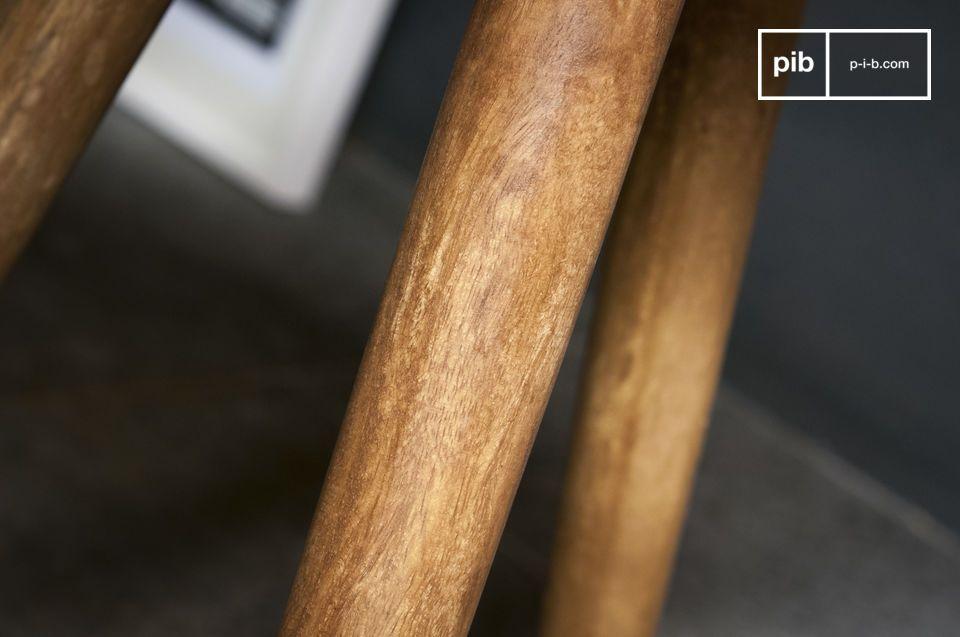 Der Beistelltisch Lünd ist ein schönes Möbel im typischen Stil des skandinavischen Designs