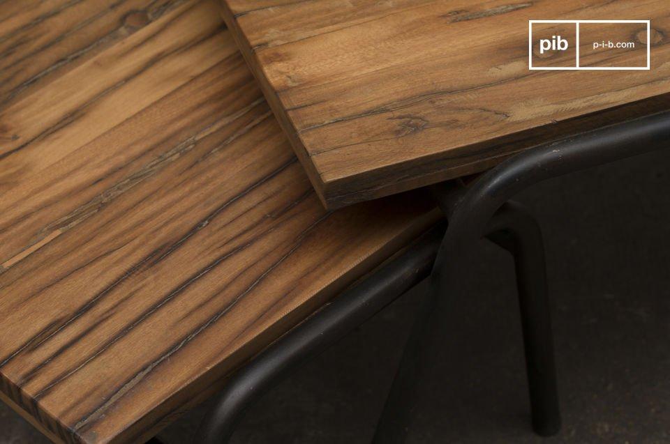 Stahl kombiniert mit Massivholz und zeitlose Linien