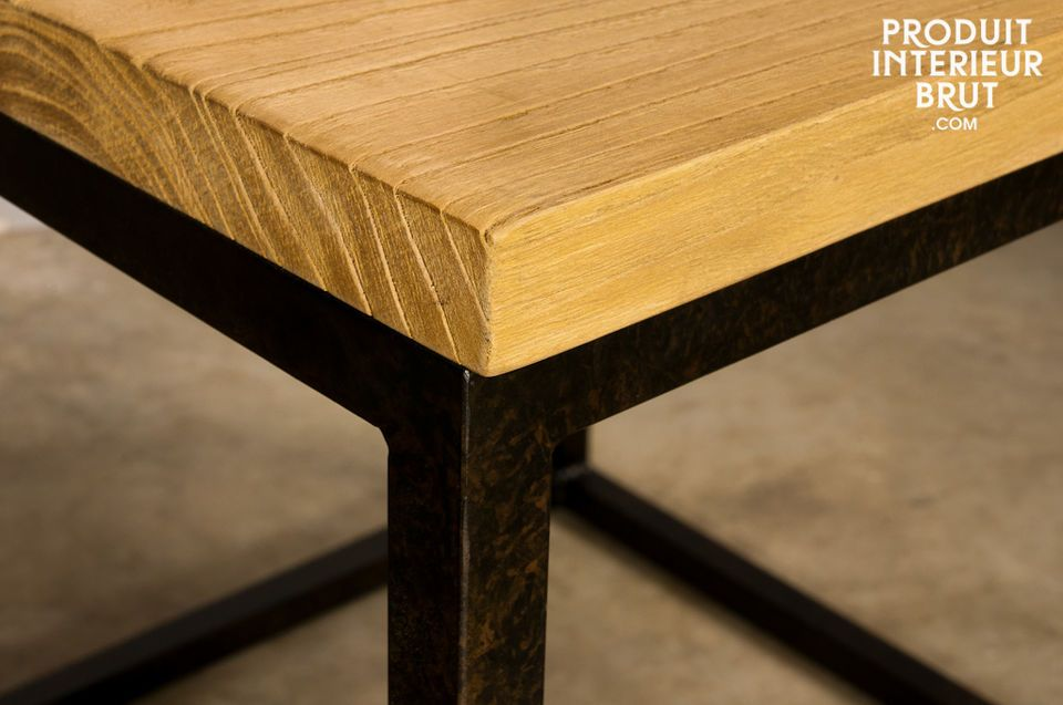 Neben dem Sofa oder als Nachttisch mit Holzplatte in Used-Optik