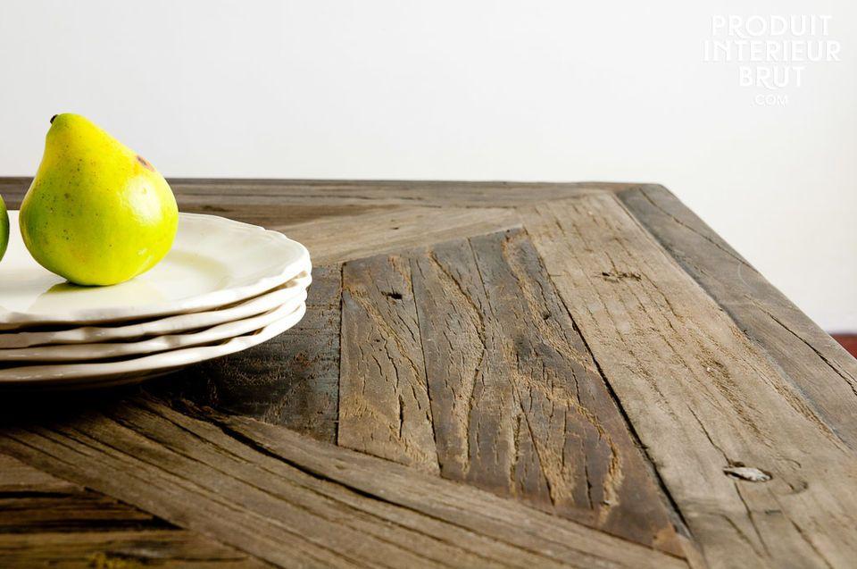 Praktische Maße und Charme von altem Holz