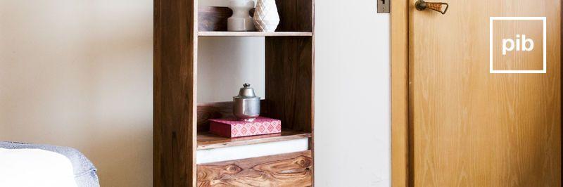 Bücherregal aus Massivholz