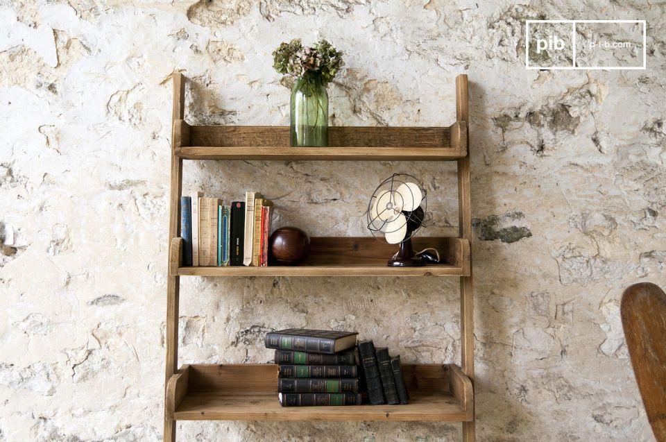 Ein praktisches Möbelstück, das den Stil und die Robustheit der Möbel aus dem 20
