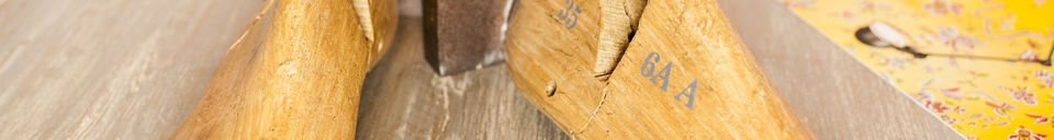 Materialbeschreibung Buchstützen aus Fußmodellen