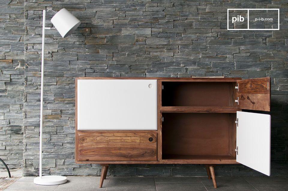 Ein Ablagemöbel ganz aus Holz mit einem Design