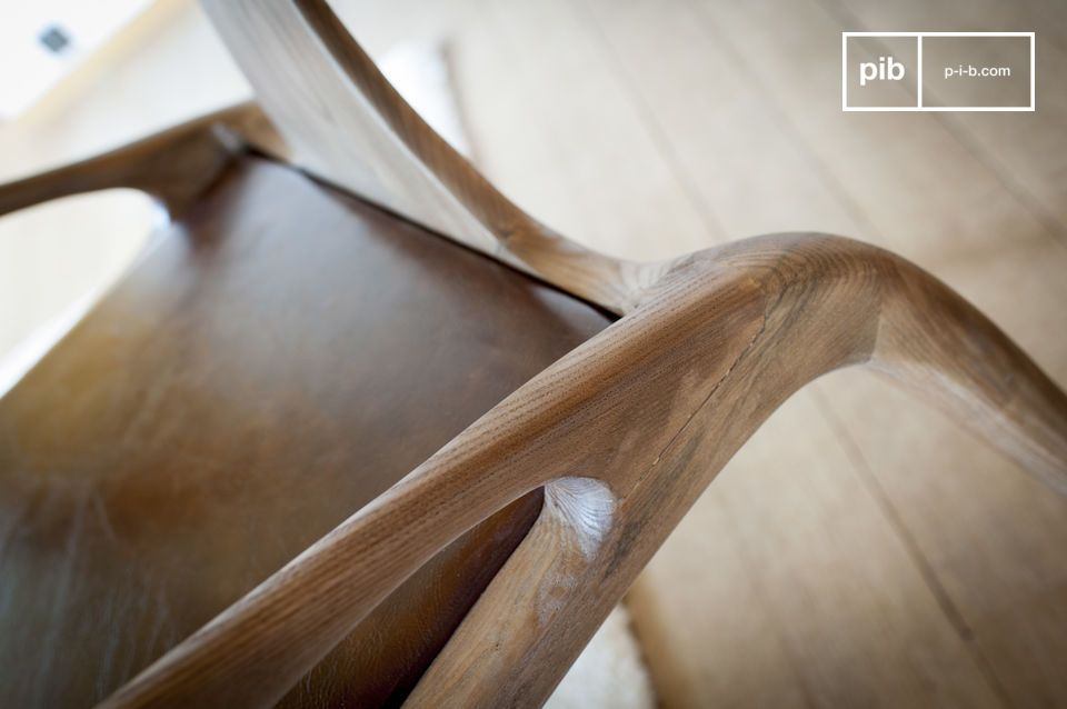 Sein Design ist das beredte Zeugnis eines Kabinetts von aussergewöhnlicher Qualität