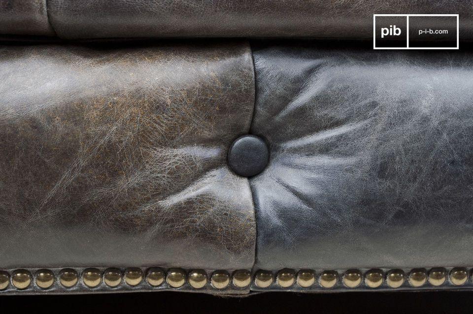 Der Komfort eines Chesterfield-Sofas mit dem Look von Vintage-Leder