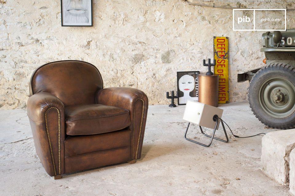 Ein Club Sessel im zeitlosen Design mit einem neuen, unverwechselbar charmantem Finish