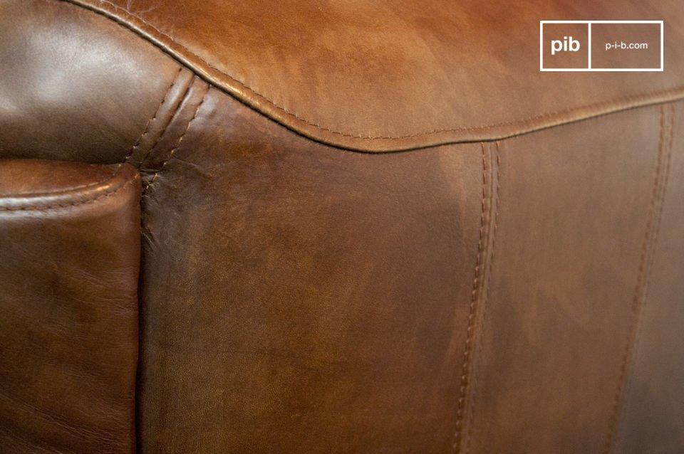 Couch im Fliegerstil aus 100% genarbtem Leder