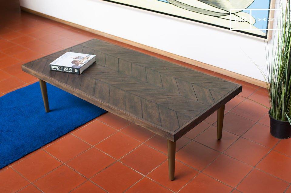 Schmale Füße und eine gepflegte Tischplatte