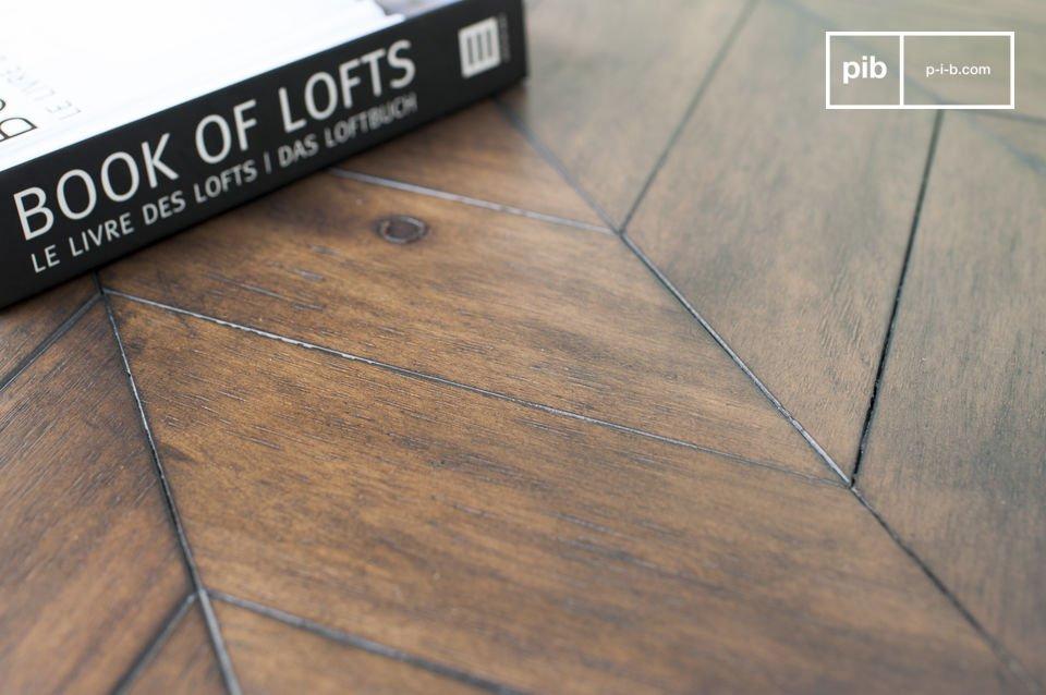Das verwendete Akazienholz hat eine matte Verarbeitung, die zum zeitlosen Stil des Tisches beiträgt