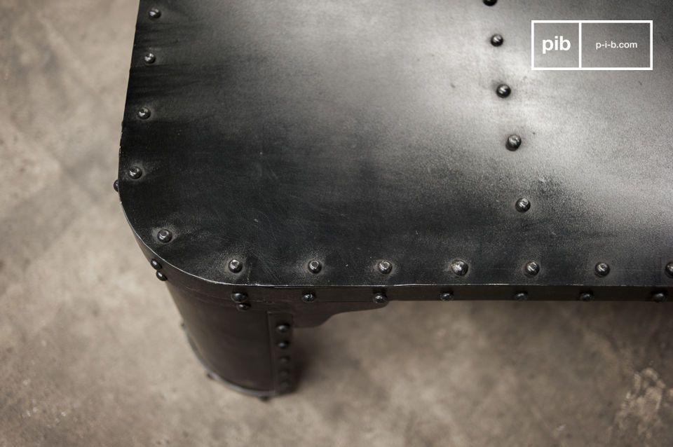 Der Couchtisch Brigor ist ein besonderes Möbelstück