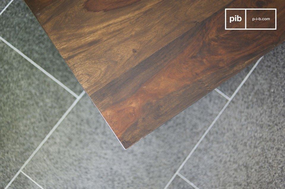 Der Couchtisch Brown\'n White hat eine praktische und originelle Schublade