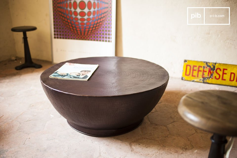 Der Couchtisch Calaba ist ein Möbel, das keinem anderen Couchtisch ähnelt