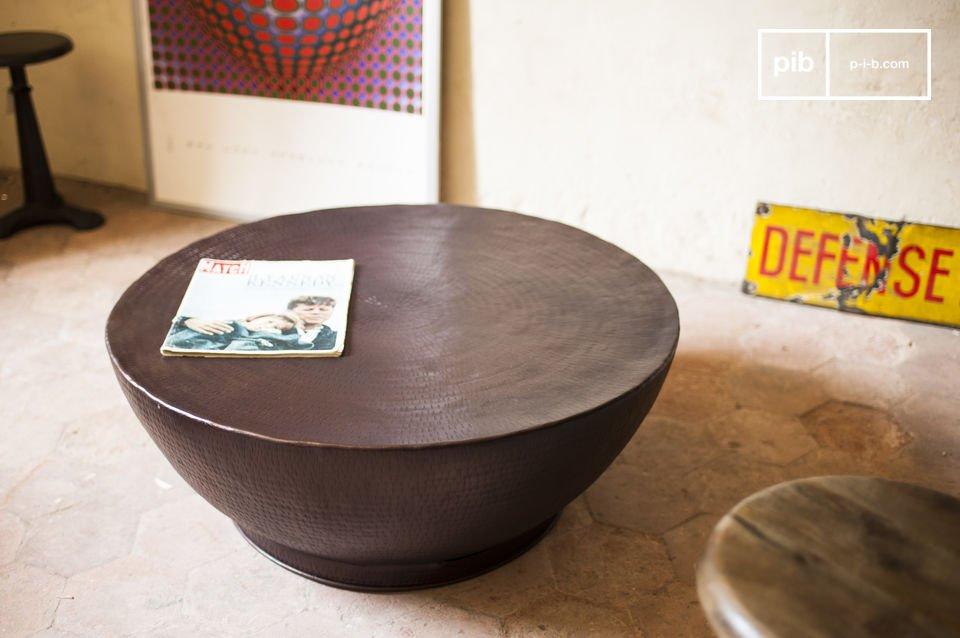 Schlichter industrieller Stil bei diesem trendigen Möbel