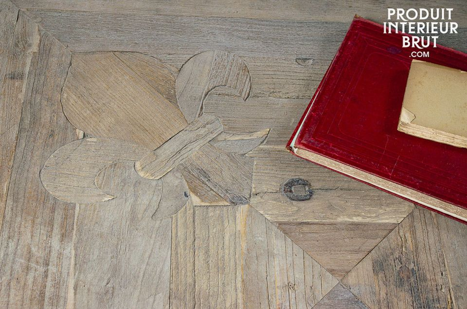 Tisch aus altem Edelholz mit Charakter