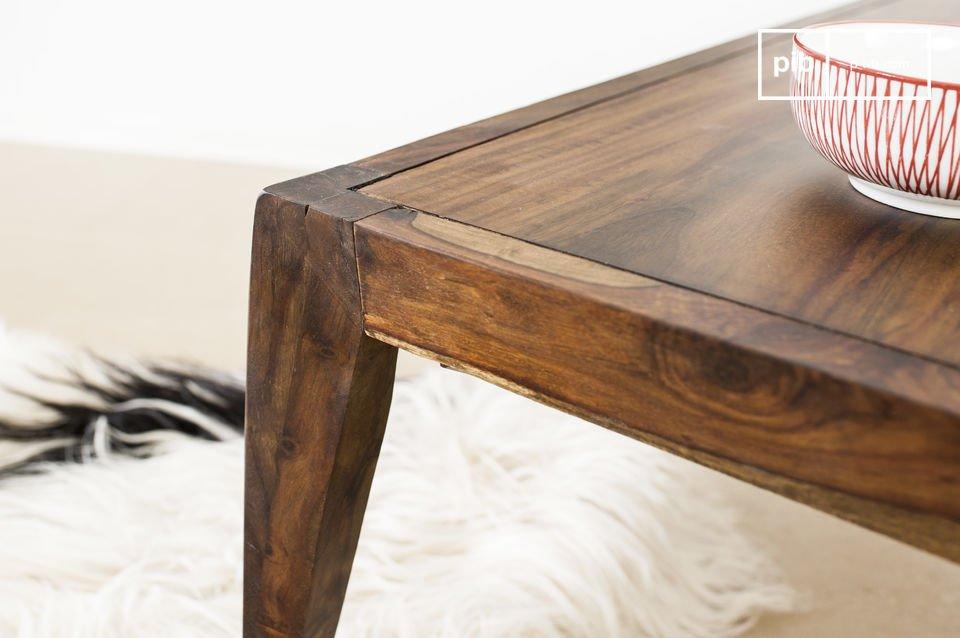 Inspiriert vom skandinavischen vintage Stil der 60er Jahre ist er ein Highlight in jedem Interieur
