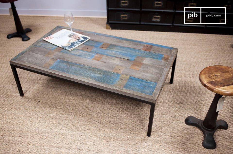 Metall und blaue Tischplatte