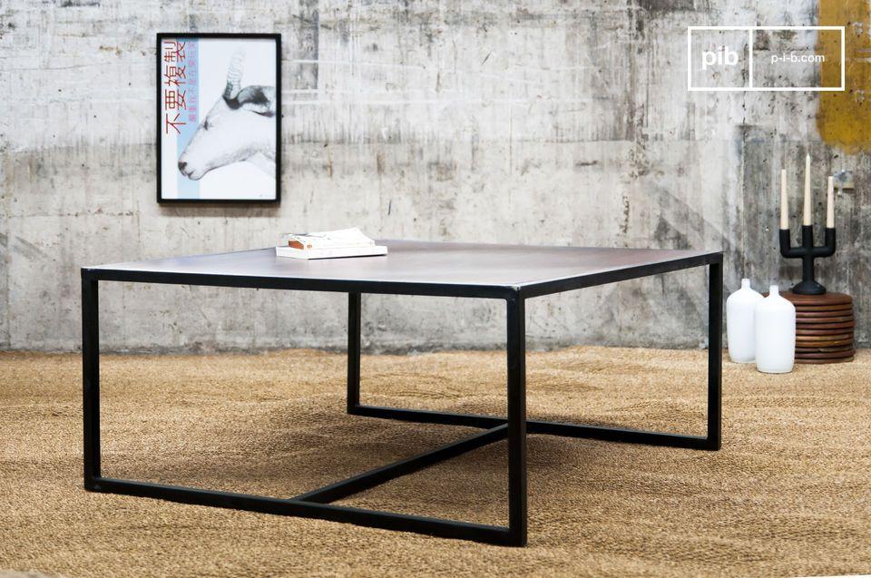 Ein Tisch aus 100% Metall und Holz