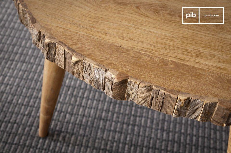 Entscheiden Sie sich für einen besonders originellen Tisch aus massivem Teakholz