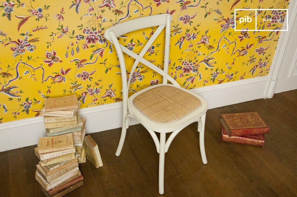 Cremefarbener Stuhl Pampelune